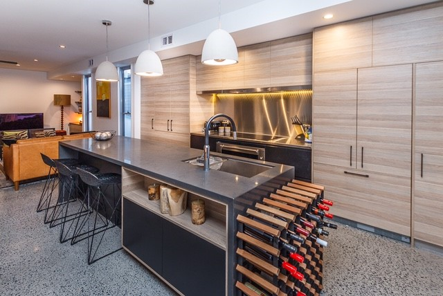 Timbergrain-Kitchen-with-stone-bench-tops