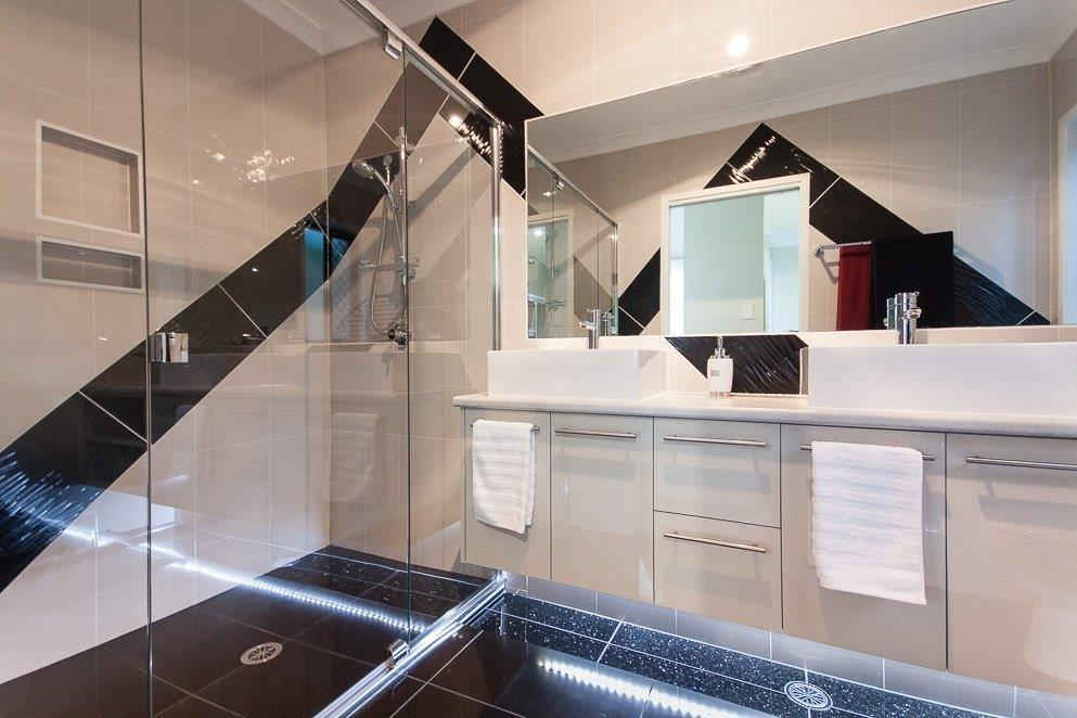 Custom-Vanities-Brisbane-Gold-Coast-Black-Contempoary-Bathroom