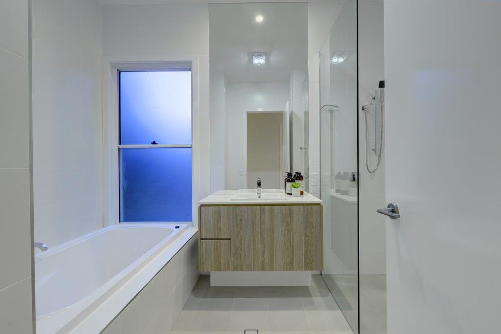 Custom-Vanities-Brisbane-Gold-Coast-Crisp-White-Top