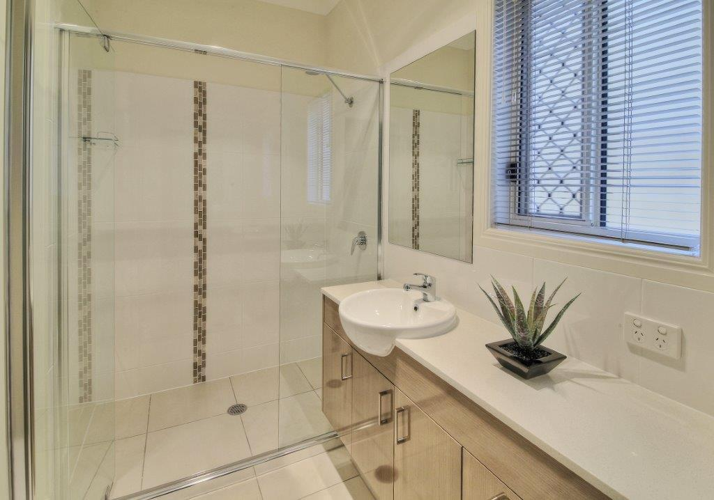 Custom-Vanities-Brisbane-Gold-Coast-Traditional-Family-Bathroom