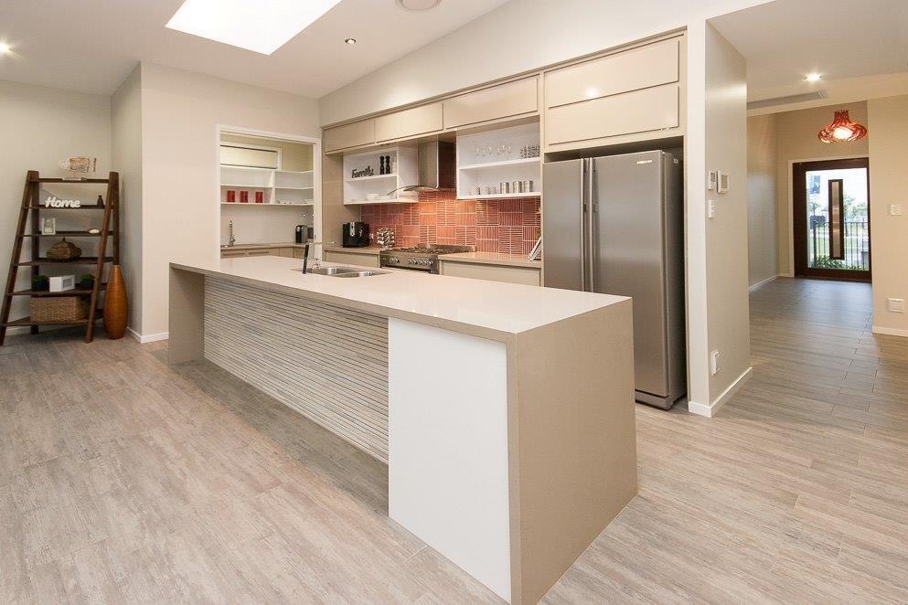 Kitchens-Renovations-Brisbane-Red-Freature-Splashback