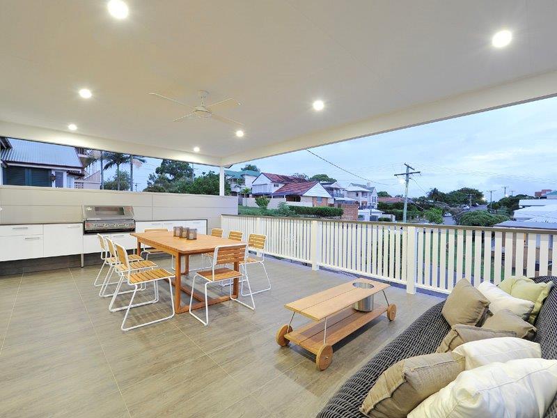 Outdoor-Kitchens-Brisbane-Entertainment-Deck