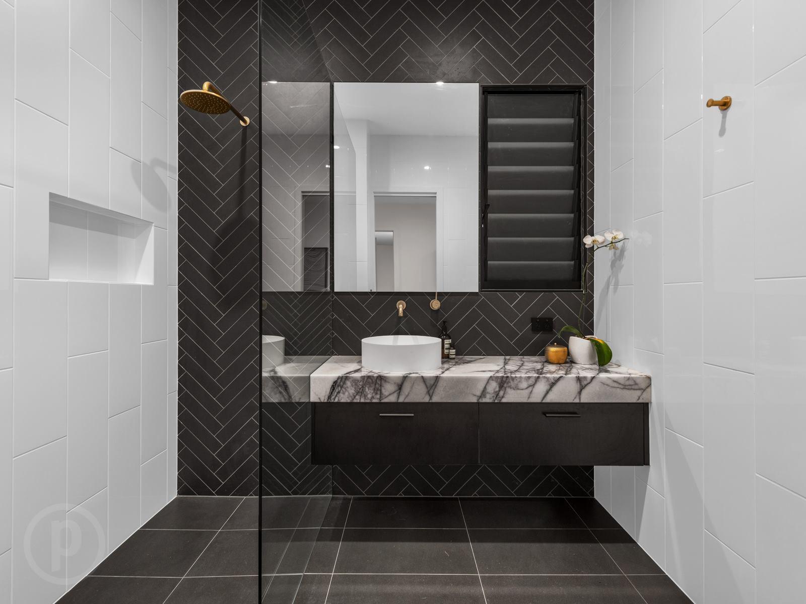 Black-vanity-Brisbane-tiled-splashback