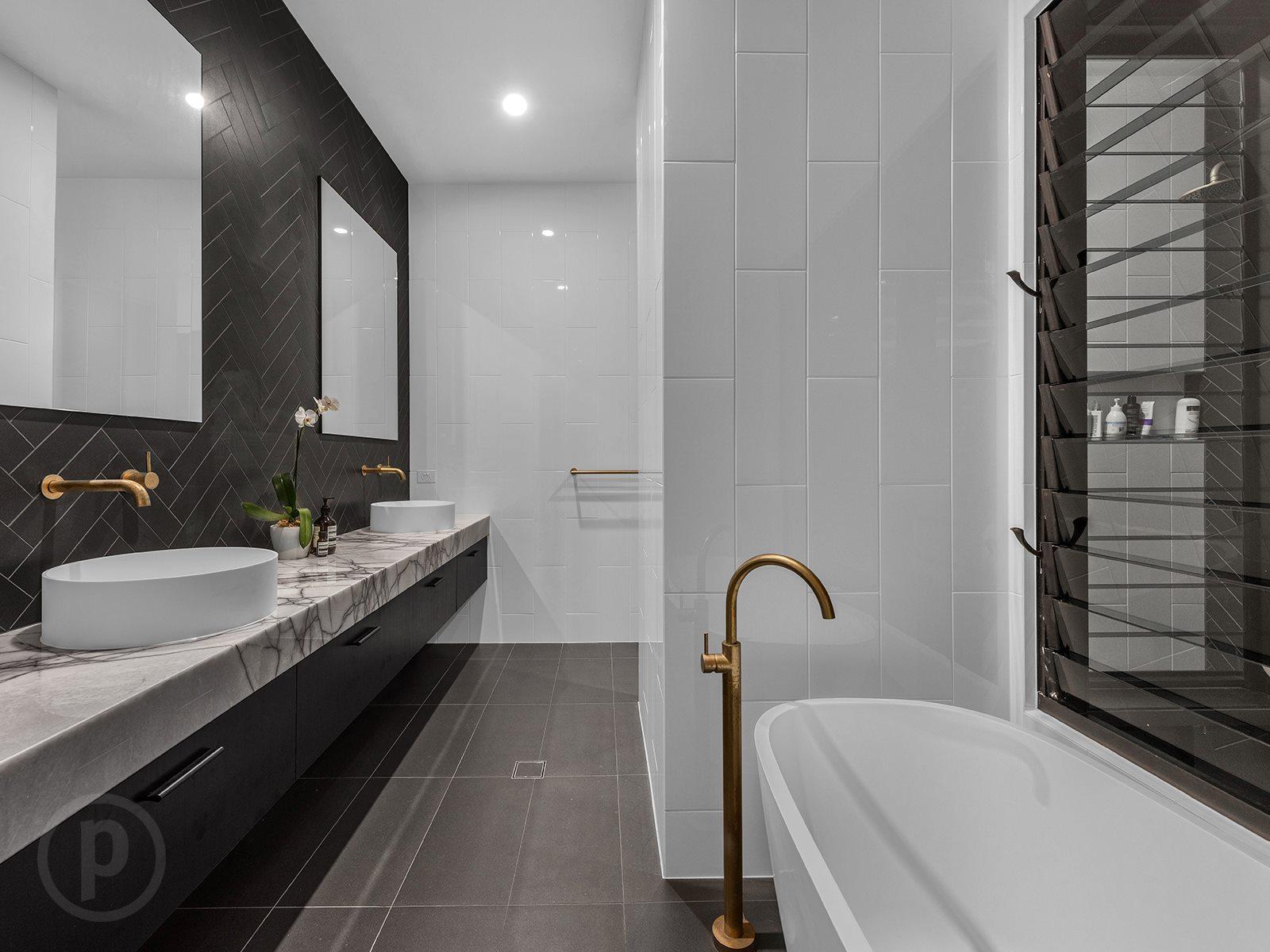 Black-vanity-stone-benchtop-Brisbane