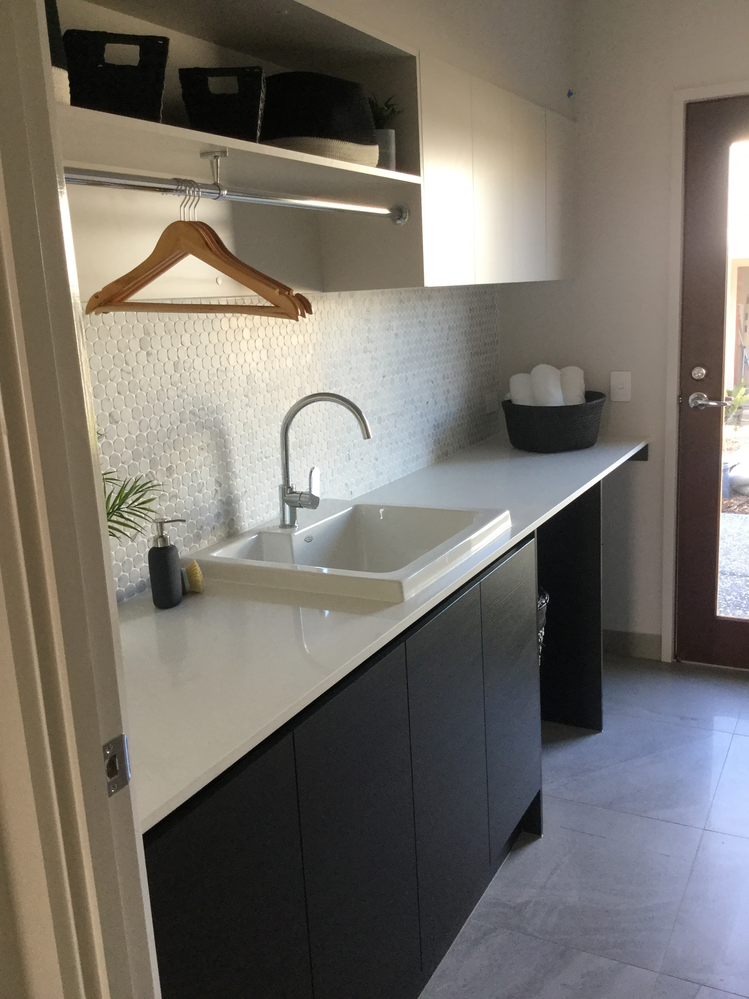 Custom-laundry-brisbane-gold-coast-hanging-rail