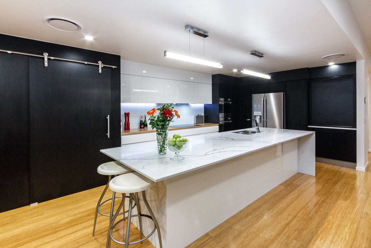 Kitchen-white-and-black