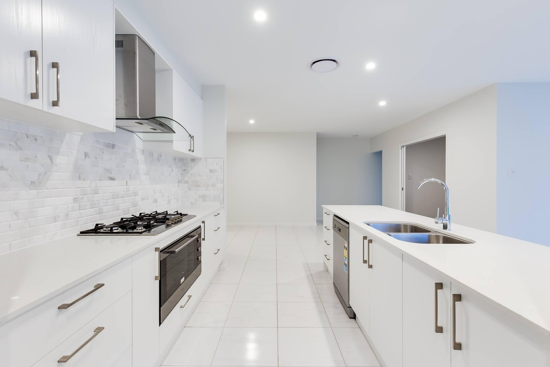 Custom-kitchen-tiled-splashback-white-Brisbane-Gold-Coast