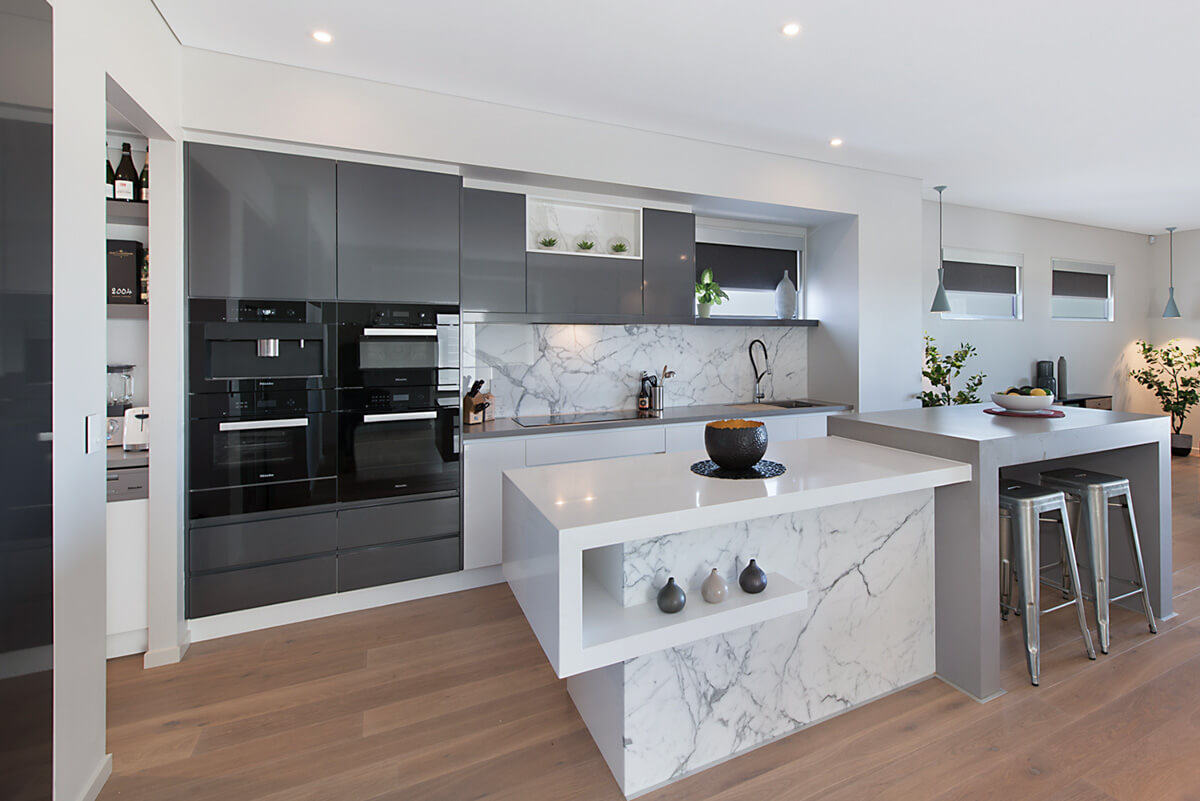 Kitchen renovation breakfast bar Brisbane Gold Coast