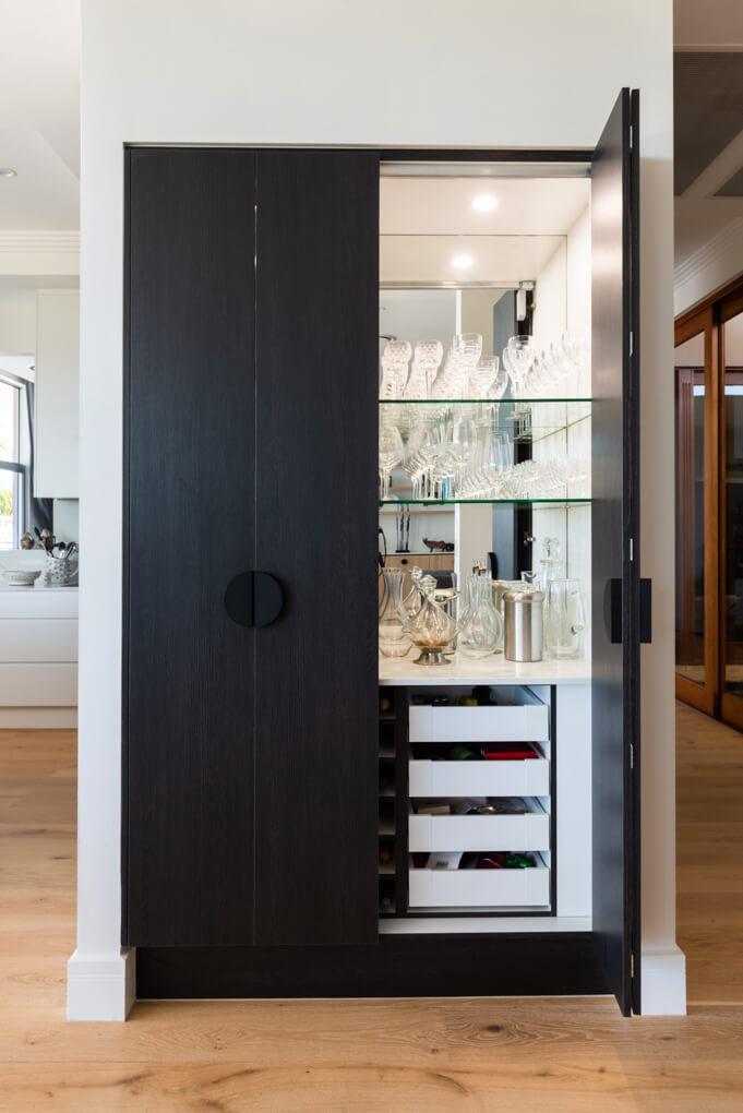 Tristiana alcohol cabinet